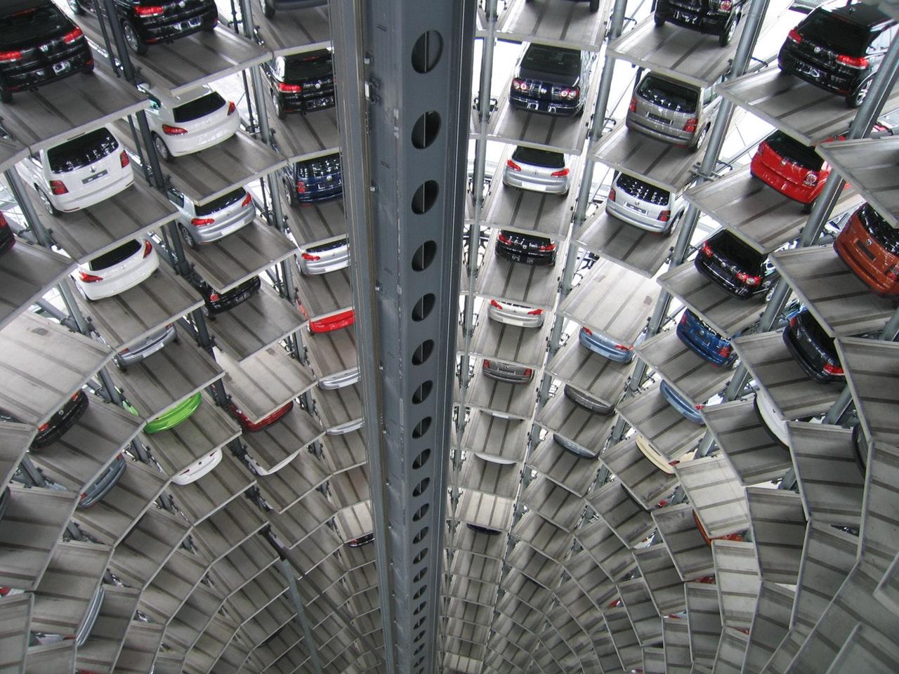 Il mercato di auto usate è il preferito dai truffatori on line