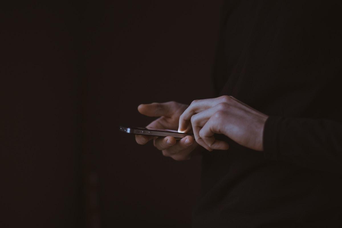 Come difendersi dagli abbonamenti truffa sul telefono