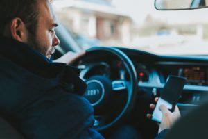 Attenzione alle nuove truffe delle false assicurazioni auto online