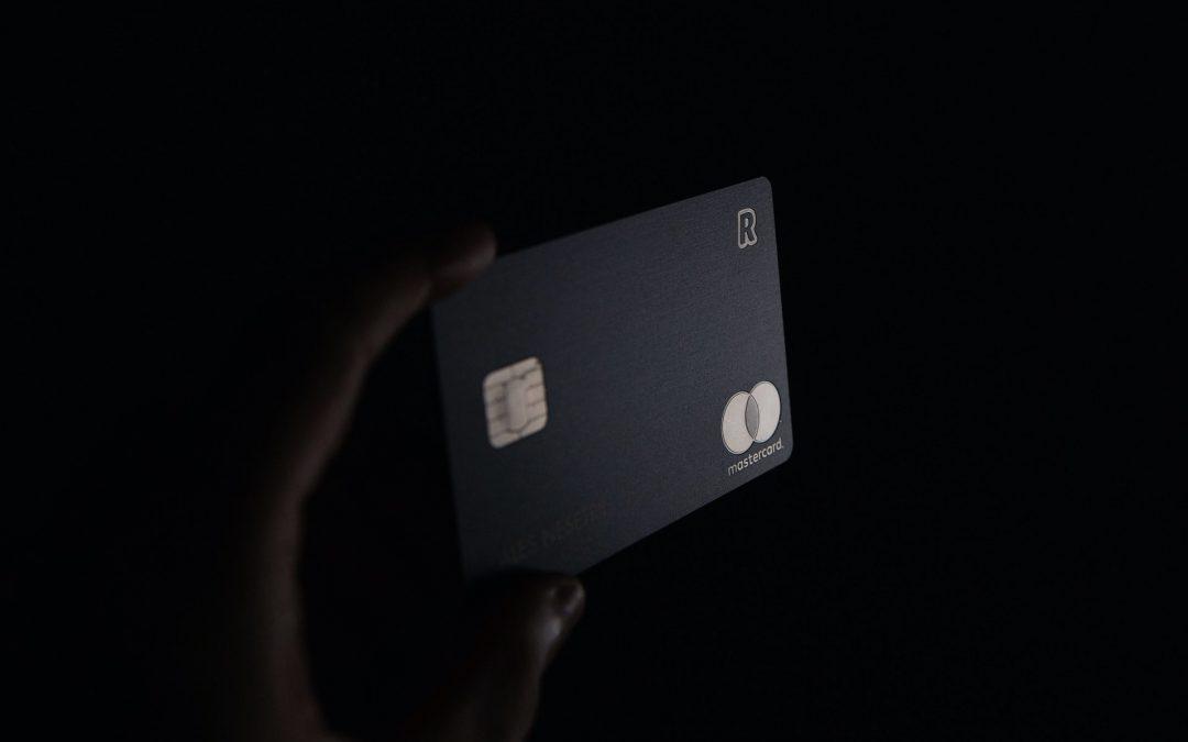 Il finto concorso Iliad che ti prosciuga la carta di credito