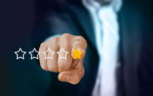 Acquisti online: come individuare le false recensioni